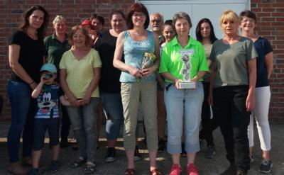 Foto zur Meldung: Zufriedene Kreisdamenleiterin über ersten Kreisrosenpokalwettkampf - Elsteranerin Simone Klatte holte ersten Rosenwanderpokal -