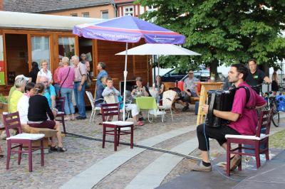 Vorschaubild zur Meldung: Fête de la Musique lockte Besucher in die Innenstadt