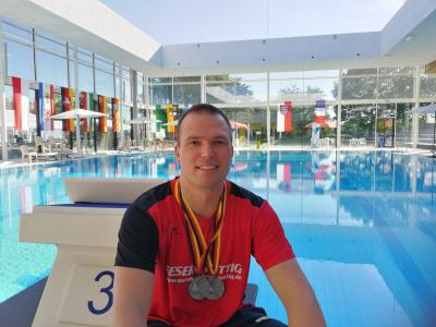 Michael Ritter nach dem erfolgreichen Abschneiden bei den 51. Deutschen Meisterschaften der Masters im Fächerbad von Karlsruhe.