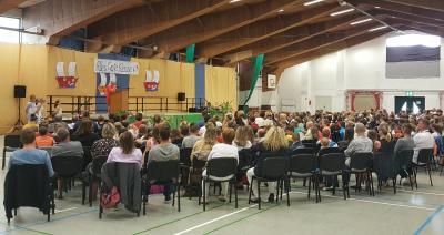 Die Viertklässler werden mit einer feierlichen Zeugnisübergabe verabschiedet. (Foto: Stadt Sassnitz)