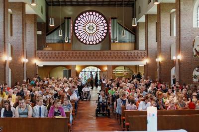 Vorschaubild zur Meldung: Entlassgottesdienst und –feier von 17 jungen Menschen der Don-Bosco-Schule am 27.06.2019
