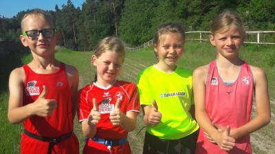 Foto zur Meldung: SC Laage unterstützt Grundschule mit Laufabzeichen -Projekt