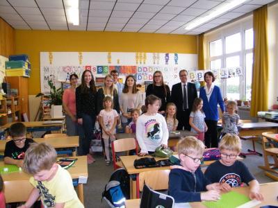 Foto zur Meldung: Realschullehrerinnen informieren sich in Röslauer Lernwerkstatt
