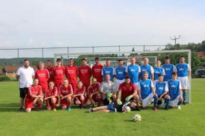 Teilnehmer beim Fußballklassiker