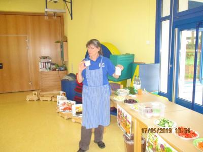 Vorschaubild zur Meldung: Knochenstarke Frühstücksaktion für die Schulanfänger der KITA Abenteuerland!