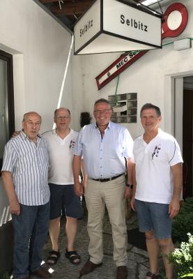 Bild von links: Werner West, Jürgen Männel, Erster Bürgermeister Stefan Busch und Kurt Schnabel