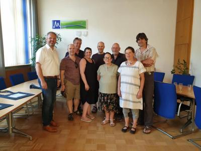 Vorschaubild zur Meldung: Jüdische Familien aus Südafrika und England auf Spurensuche in Meckesheim