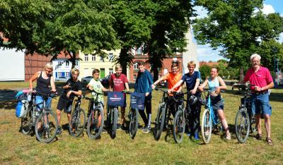 """Mitglieder der Fahrradgruppe """"Rückenwind"""" in Wittenberge I Foto: Martin Ferch"""