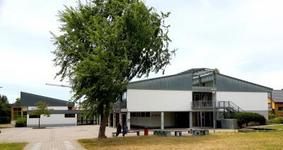 Vorschaubild zur Meldung: FASSADENBESCHICHTUNG DER TULLASCHULE IN RUßHEIM