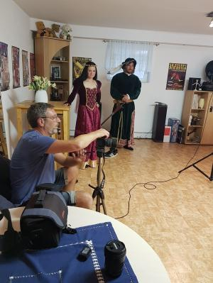 Nicol Kläres, Yves Wichert mit Fotograf René Buckler im Studio. Burkhard Goers und Virginie Engelbrecht sind auch dabei.