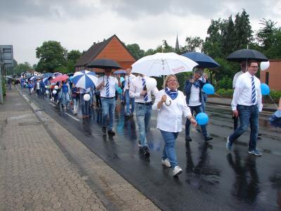 Blau-weiß soweit das Auge reicht, überragende Teilnahme der Teutonen