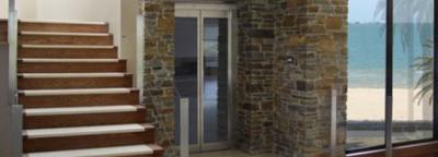 Der Homelift Feuerberg ist der ideale Lift für private und öffentliche Immobilien