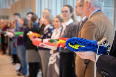 Zeremonielles Einholen der Flaggen im EMA-Gebäude in London © EMA