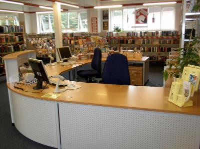 Vorschaubild zur Meldung: Information zu veränderten Öffnungszeiten der Stadtbücherei Schenefeld im August