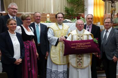Foto zur Meldung: 40jähriges Priesterjubiläum festlich gefeiert