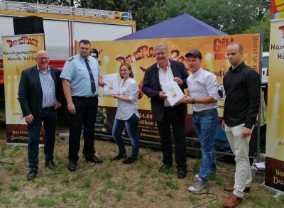 Foto zur Meldung: Kameraden rocken in Damsdorf