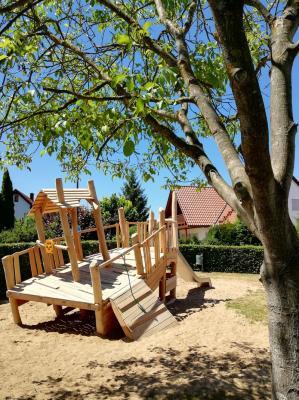 Den Dormitzer Kindern konnte ein großer Wunsch mit dem Piratenschiff auf dem Spielplatz in der Gründeläckerstraße erfüllt werden.