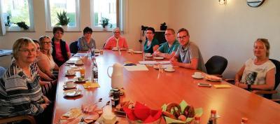 Holger Bezold (2. v. r.) dankte den Anwesenden für den interessanten Austausch und ihre Arbeit für den Seniorenkreis.