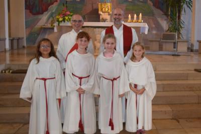 Foto zur Meldung: Neue Ministranten der Pfarrei St. Anna Schondra