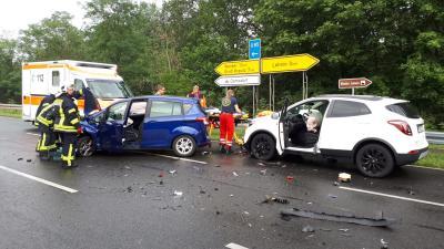 Foto zur Meldung: Unfall mit drei Verletzten