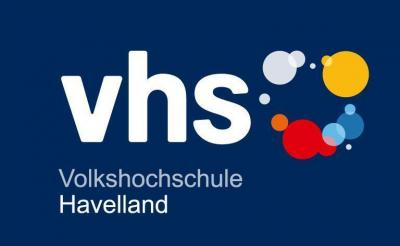 Unser Bild zeigt das Logo der Volkshochschule Havelland, die ihren Sitz in der Poststraße 15 in Falkensee hat.