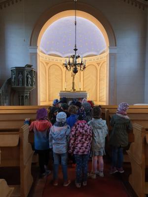 Foto zur Meldung: Vorschulkinder zu Gast in der Göhlsdorfer Kirche