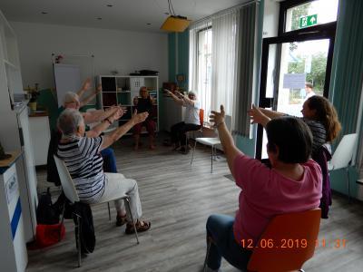 Foto zur Meldung: Sitz-Gymnastik/Sitz-Yoga
