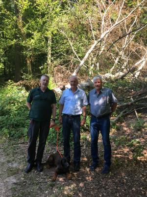 von links: Jörg Winter, Hessen Forst, Bürgermeister Andreas Weiher, Dr. Wolfgang Zikofsky, Abt. Umwelt u. Natur
