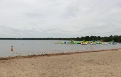 Der seit dem 09.08.19 gesperrte Wasserpark am Senftenberger See in Großkoschen_Foto Landkreis