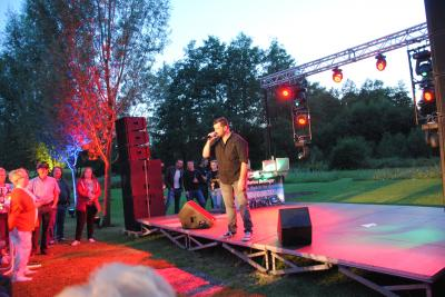 Achim Petry beim Sommer-Open-Air-Konzert am Sodegarten