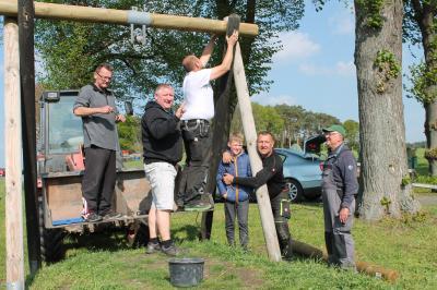 Vorschaubild zur Meldung: Arbeitseinsatz auf dem Spielplatz in Mackendorf