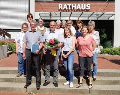 Foto zur Meldung: Die Samtgemeinde Velpke verabschiedet Oliver Wiedemann