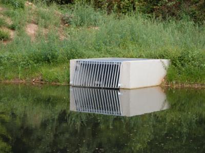 Auslaufbauwerk am Prinzessinenweiher für den neuen Kanal