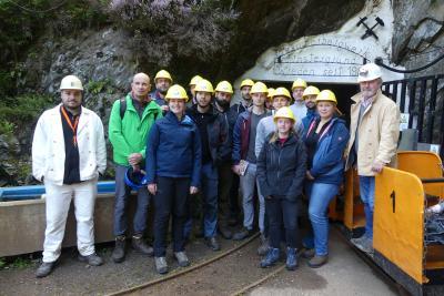 Vor der Grubenfahrt in den Finstergrund Stollen V (Bild: Dr. W. Werner)