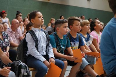 Foto zur Meldung: Die Anne-Frank-Realschule begrüßt die neuen Schülerinnen und Schüler