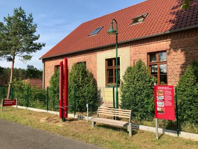 Ladestele vor dem Heimatmuseum Mönchwinkel