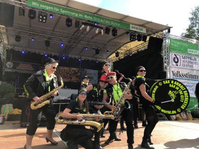 """Foto zu Meldung: """"Sax´n Anhalt VIP-Band"""" sorgt für Hochstimmung beim 26. Genthiner Kartoffelfest"""
