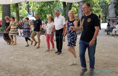 Lions und Rotarier amüsieren sich beim Sommerfest im Tempelgarten