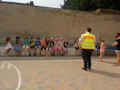 """Foto zur Meldung: Kinder der """"Entdeckerkiste"""" erringen Zertifikat über erfolgreich absolvierte Fußgängerausbildung"""