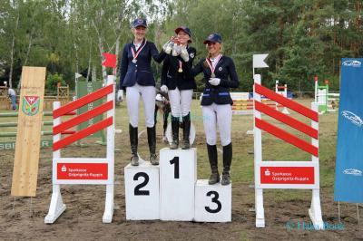 v.l. Vizekreismeister Amelie Krumhoff, Kreismeister Lilly Ladwig, Bronzerang Jessica Ringer (LK6)