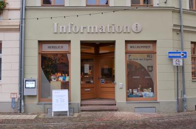 Stadt Perleberg | Eingang der Stadtinformation Perleberg, Großer Markt 12