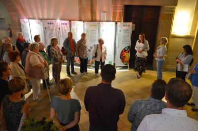 """Viele Besucher kamen am 4. September zur Eröffnung der Ausstellung """"GESA – Gemeinsam essen im Alter""""   I Foto: Martin Ferch"""