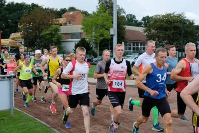 Foto zur Meldung: Abdelmajeed Abdalla und Wiebke Krone mit neuem Streckenrekord beim Hase-Run