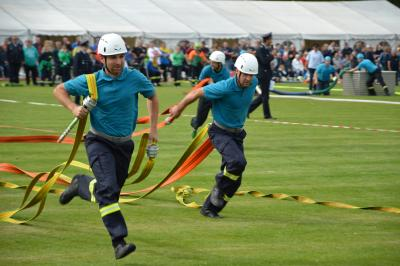 spannende Wettkämpfe im Feuerwehrsport fanden am Freitag und Samstag im Ernst-Thälmann-Stadion statt I Foto: Martin Ferch