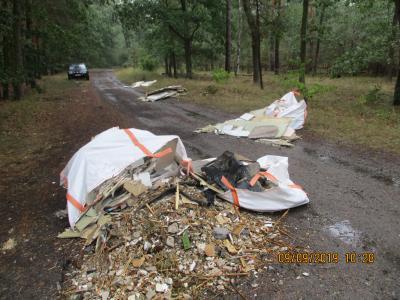 Foto zur Meldung: Illegale Müllablagerung im Lehniner Wald