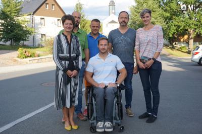 Bürgermeisterin Kerstin Schöniger mit dem Ortschaftsrat Röthenbach