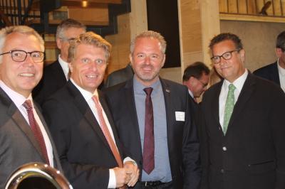 v.l.: Landrat Dallinger, Staatssekretär  Bareiß, Bürgermeister Brandt und Minister Hauk