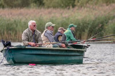 Vorschaubild zur Meldung: Seniorenbootsangeln am Bernsteinsee 2019