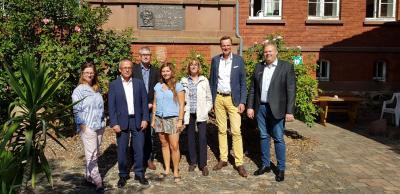 Foto zur Meldung: Empfang mit den Trägern des Künstlerstipendiums in Willingshausen im Gerhardt-von-Reutern-Haus