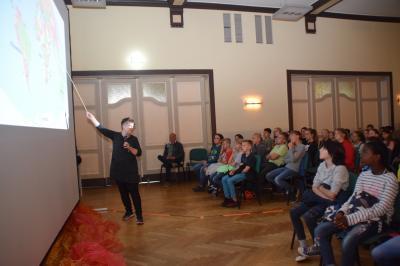 Stadt Perleberg | Moderatorin für die Filme von Montag bis Mittwoch Frau Regina Jabin